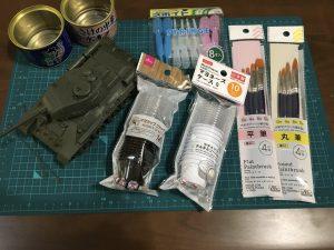 プラモデルの色塗りに便利なグッズを100円ショップで買ってきた!